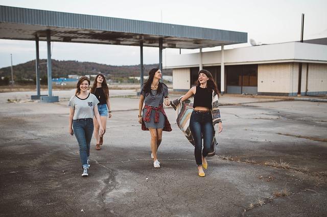 čtyři teenageři.jpg