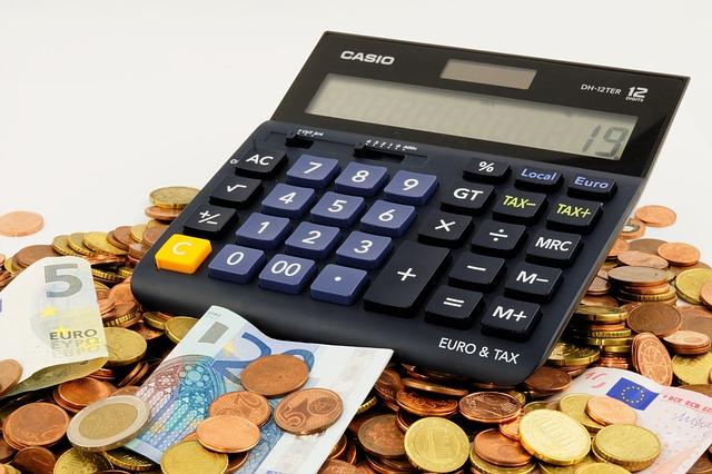 kalkulačka a peníze.jpg