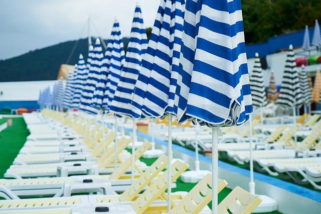 Sůl do bazénů pro zajištění křišťálově čisté vody post thumbnail image