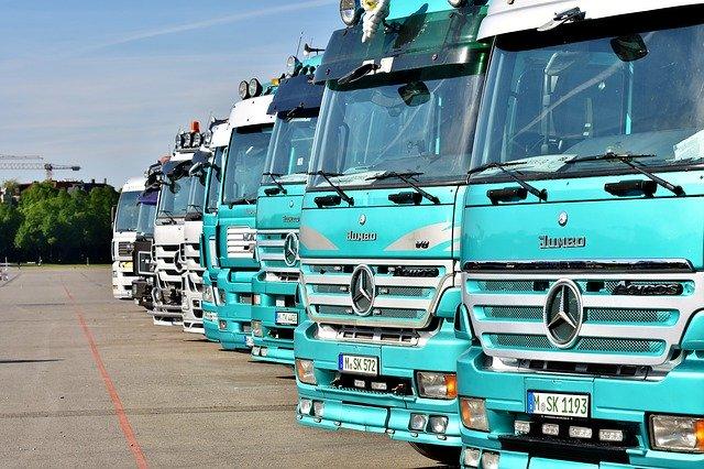 parkoviště nákladní vozy